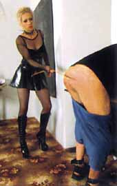 Get it right with Mistress D Strix - DVD OWK de fessée