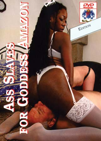 Ass slaves for Goddess Amazon - Face-sittings d'une Maîtresse SM