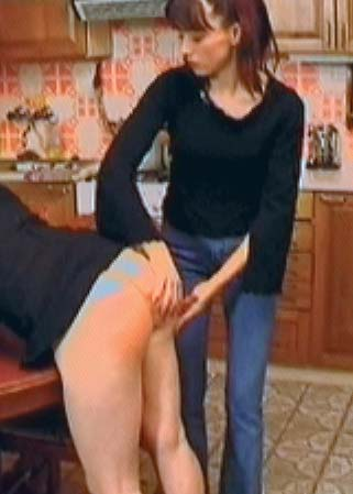 My cane will teach you - Bonniche fess�e par une jeune fesseuse