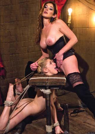 Tres belle domination feminine - 1 part 9