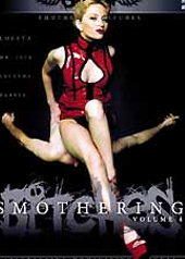 Smothering bitches 4 - DVD de face-sitting avec le sexe nu